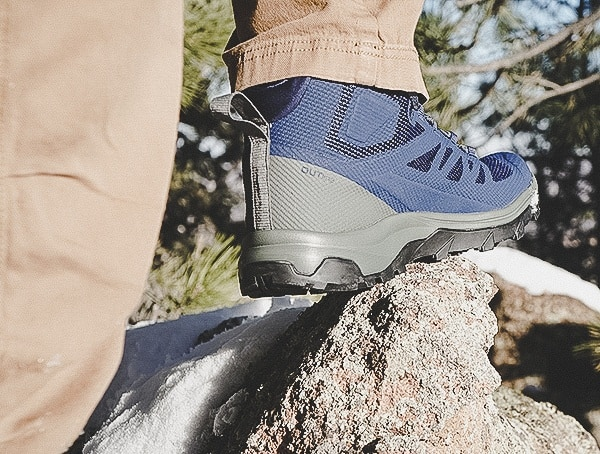 Mens Gore Tex Salomon Outline Mid Hiking Shoes Review