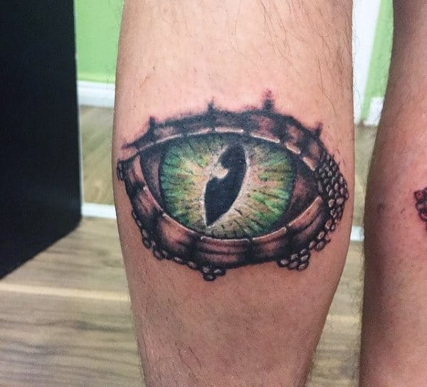 Mens Huge Lizard Eye Tattoo On Knees