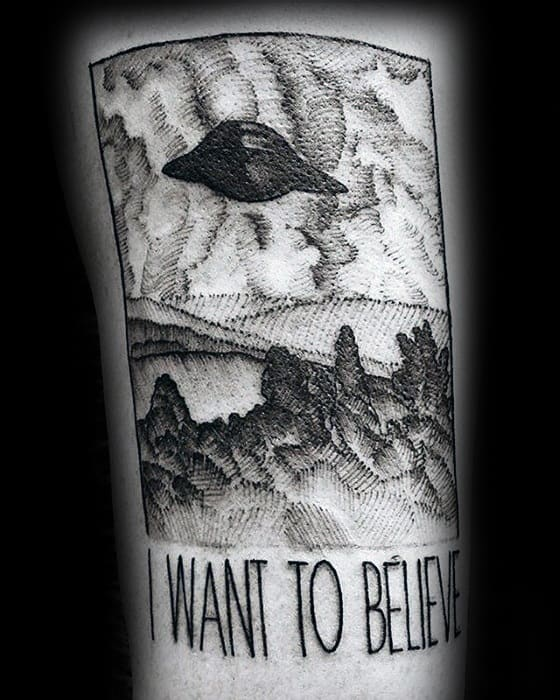 Mens I Want To Believe Flying Alien Spaceship In Sky Poster Arm Tattoo Ideas