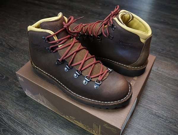 Mens Leather Hiking Bootsdanner Mountain Pass Mink Oil Review