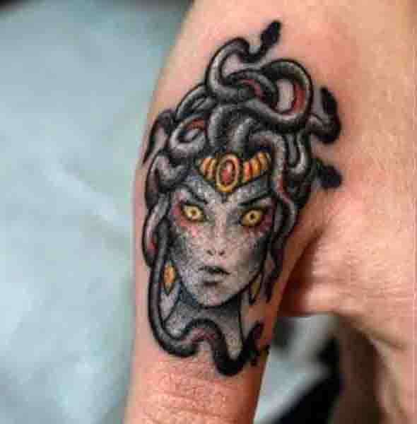 Mens Medusa Tattoo Design On Fingers