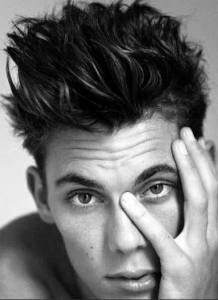 50 Men\'s Messy Hairstyles - Masculine Haircut Inspiration