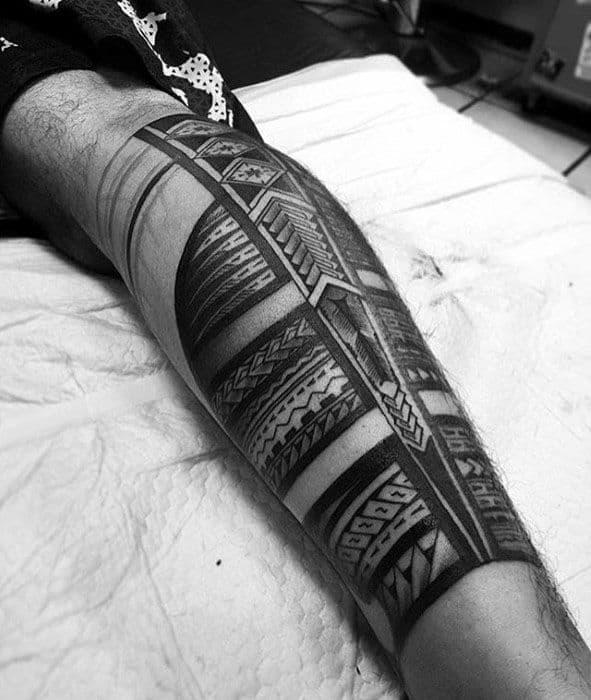 Mens Repeating Pattern Polynesian Tribal Back Of Leg Tattoo Ideas
