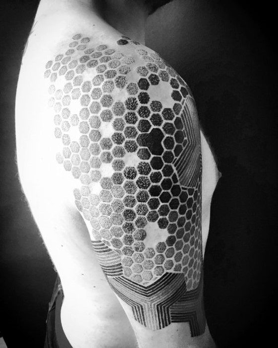 Mens Shoulder Grey Black Honeycomb Tattoo
