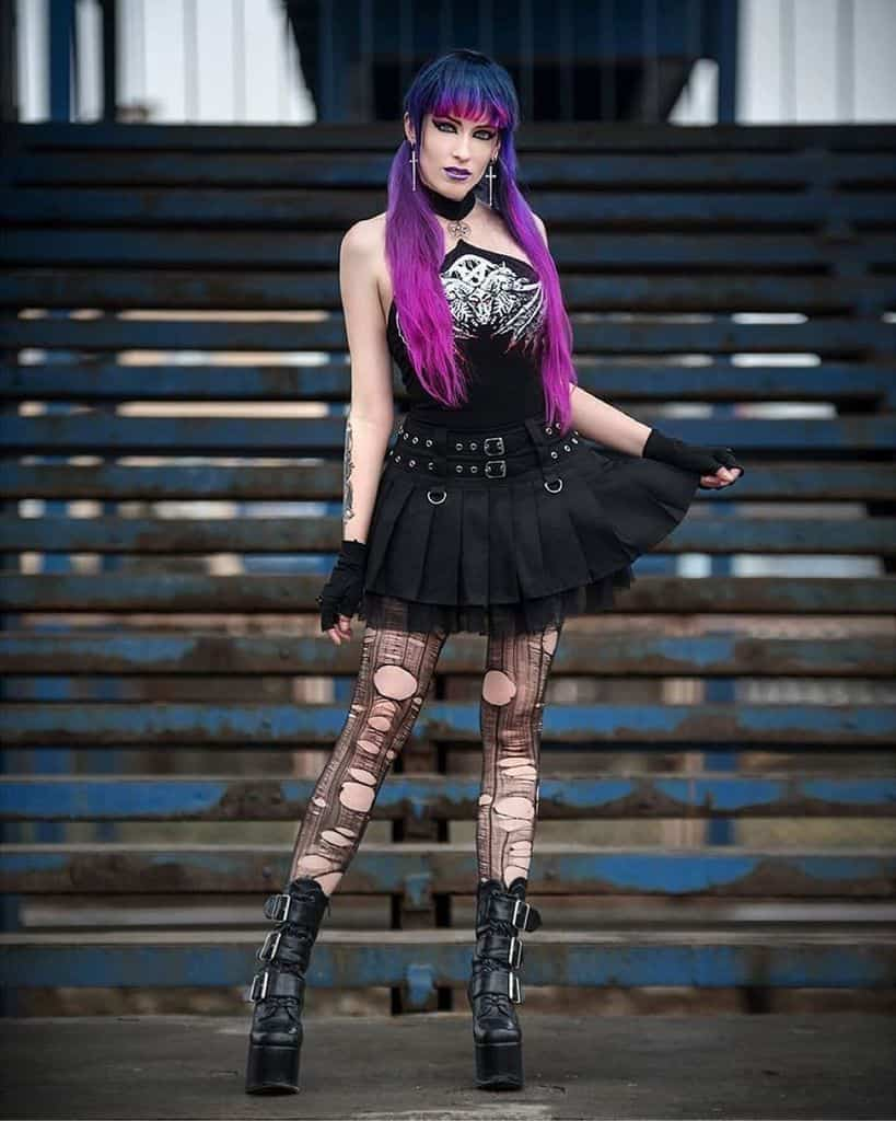 Metal Girl Grunge Outfits