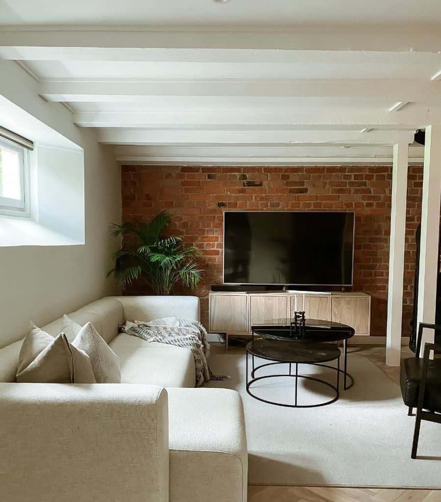 Minimalist Interior Of Living Room Carosskogsrud