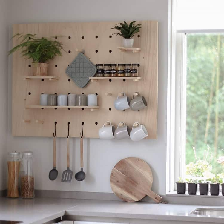 Minimalist Kitchen Pegboard Ideas Hetboshuisje