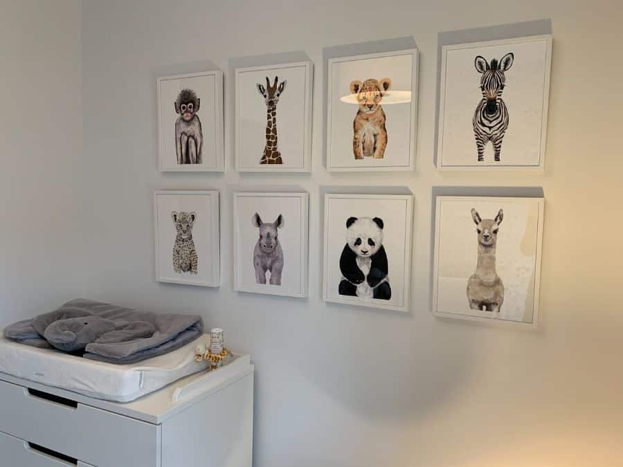 Minimalist Style Picture Wall Ideas 1