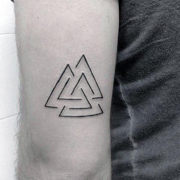 Minmaist Mens Valknut Tricep Tattoo