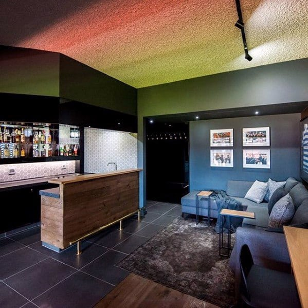 Modern Basement Man Cave With Bar Design