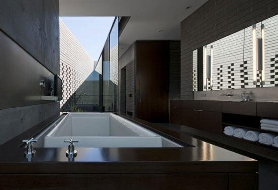 Modern Bathroom Outdoors