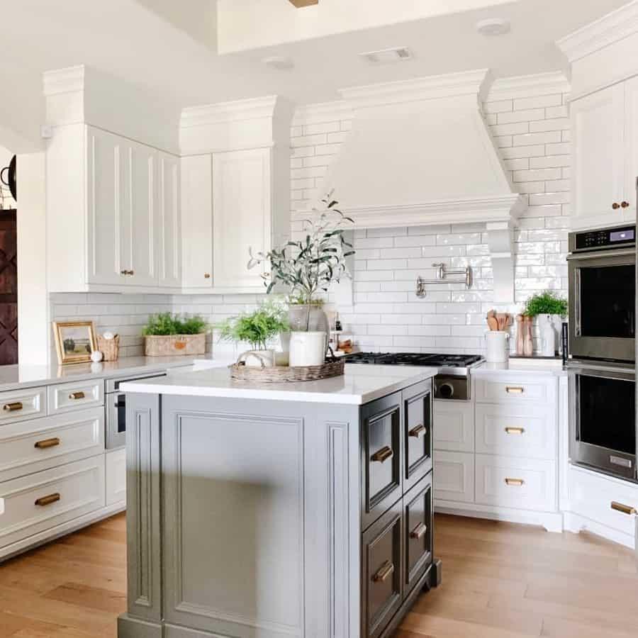 Modern French Country Kitchen Trishaspearsdesign