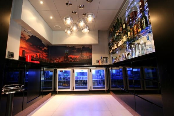 Modern Home Bar. Modern Basement Home Bar Design. Modern Bar Ideas