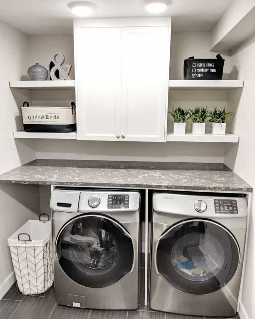 Modern Small Laundry Room Belllavigne