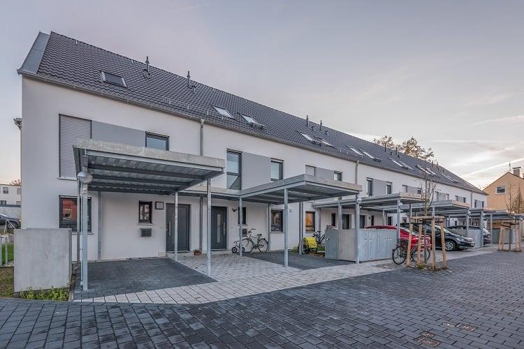 modern-terraced-house-small-carport-ideas