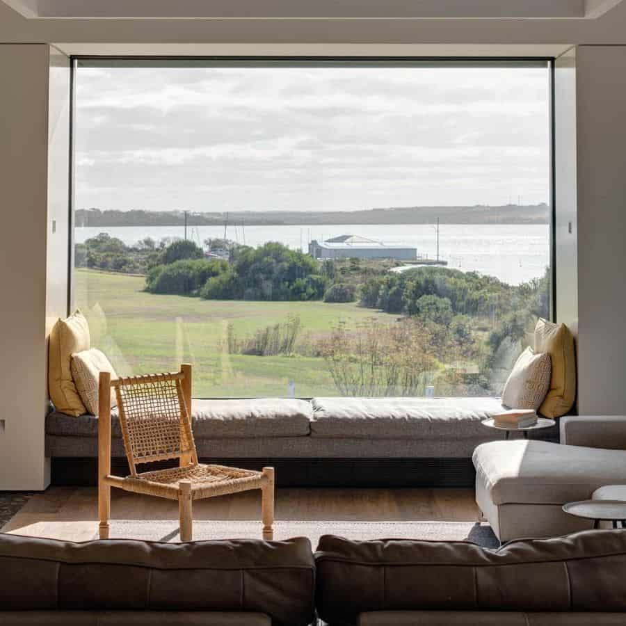 Modern Window Seat Heyconbuilt