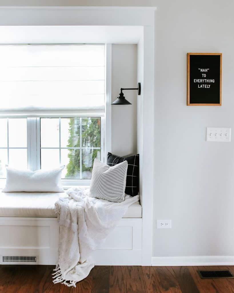 Modern Window Seat Sammyonstate