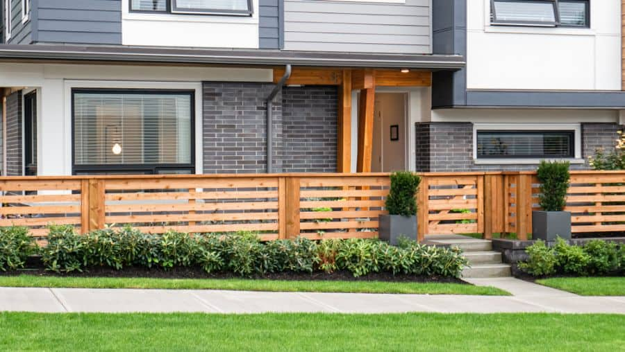Modern Wood Fence Ideas (1)