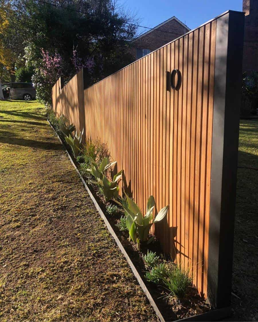 Modern Wood Fence Ideas Optimumpropertyservices