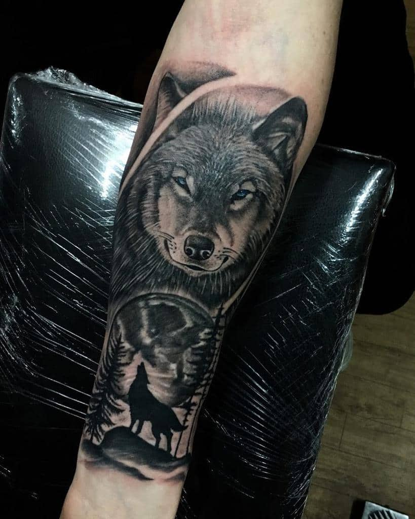 moon howling wolf tattoo ink_link_tattoo