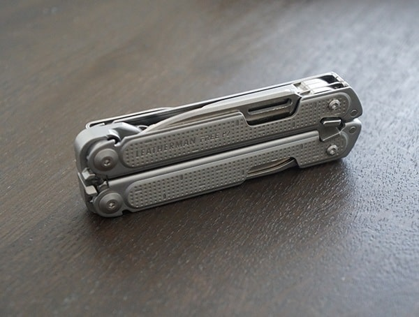 Multi Tool Closed Leatherman Free P2