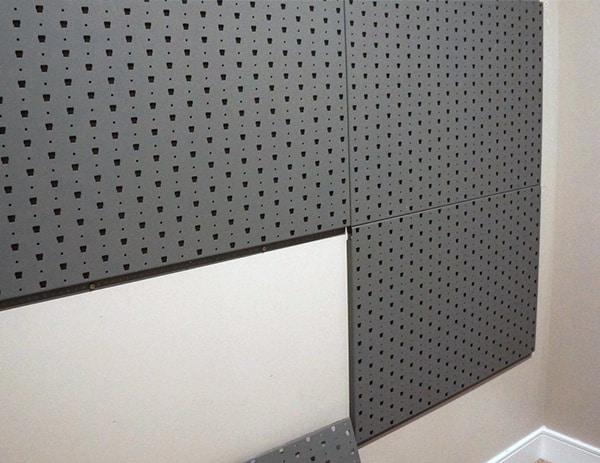 Multiple Gallow Tech Gun Panels On Wall