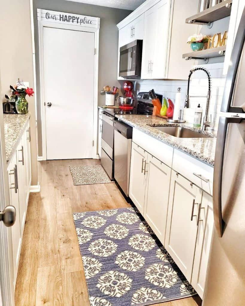 narrow farmhouse kitchen ideas organizing_home