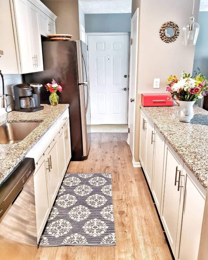 narrow kitchenette ideas organizing_home