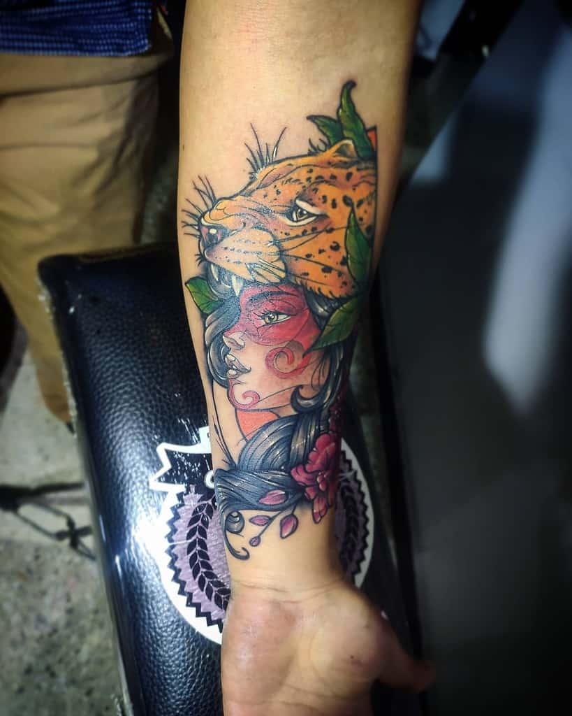 neo-traditional-color-jaguar-tattoo-enetres