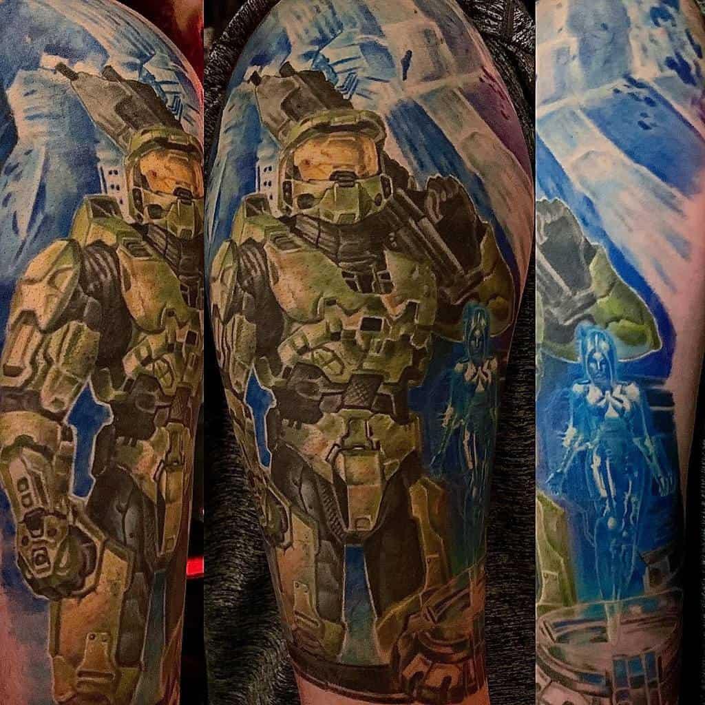 nerd-gamer-halo-tattoo-jakubnadrowskitattoos