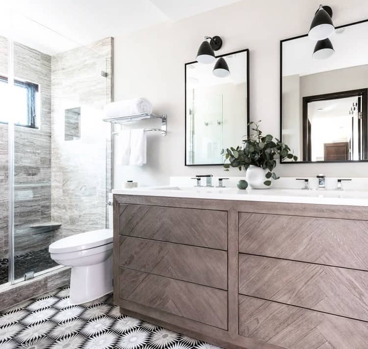 Neutral Decor Modern Farmhouse Bathroom A.k.nackfordesign