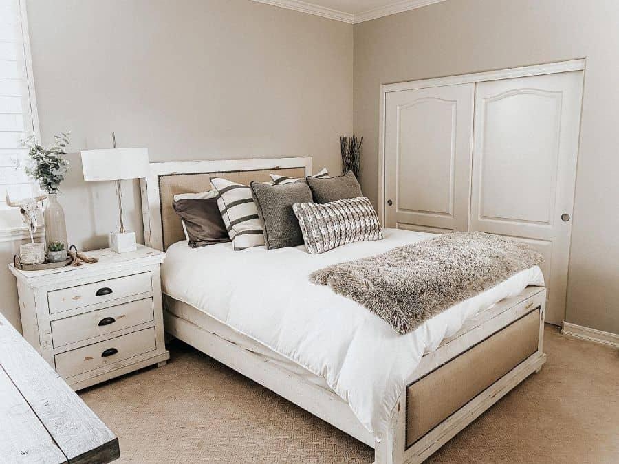 Neutral Guest Bedroom Ideas Urbanfiddledecor