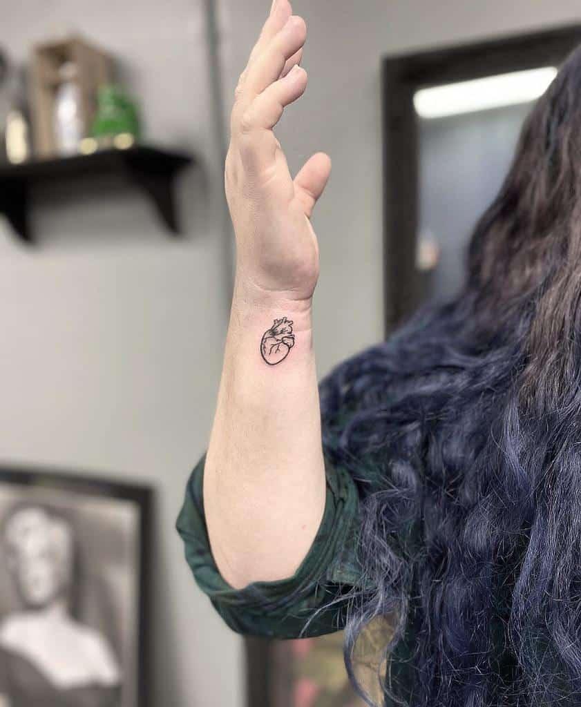 Small and Tiny heart tattoo swae.tinez