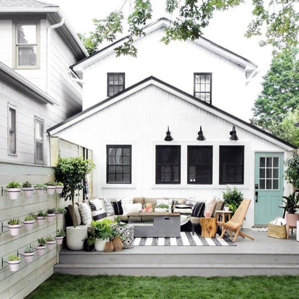 Nice Privacy Fence Backyard Ideas With Planters