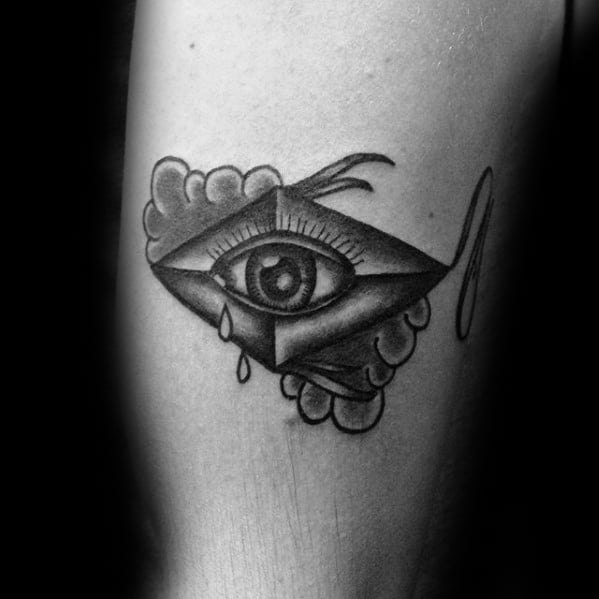 Old School Traditional Amazing Mens Kite Eye Leg Tattoo Designs