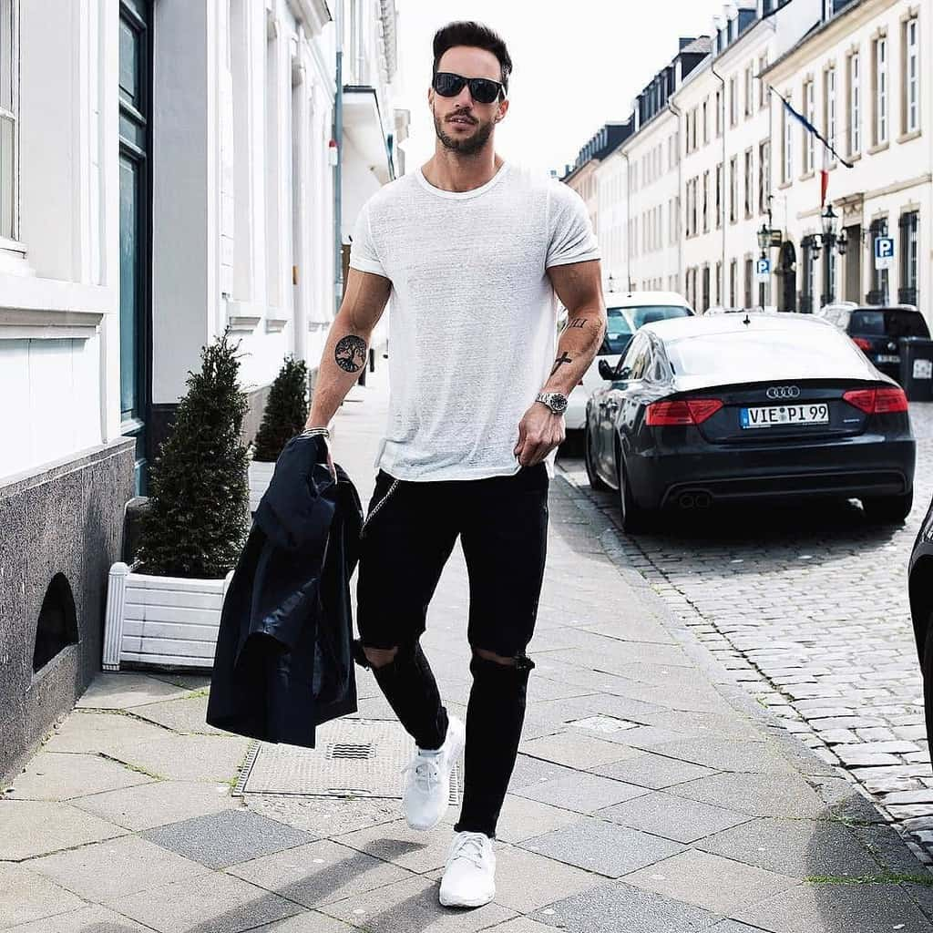 Old Style White Shirt Black Pants Street Wear Style
