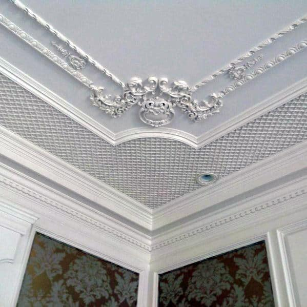 Ornate Pattern Interior Crown Molding Design