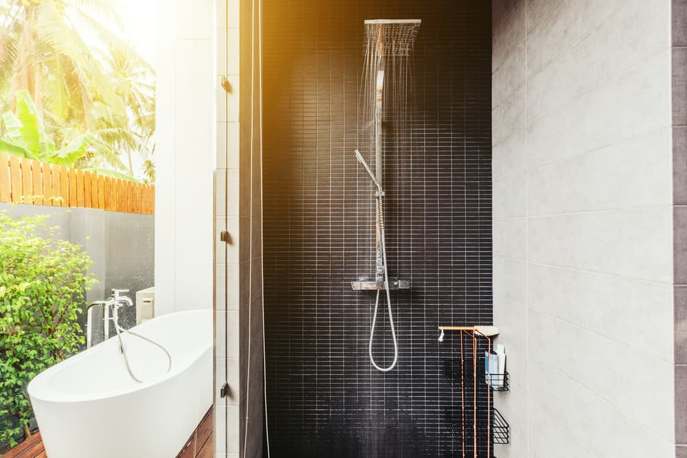 Modern Outdoor Shower Ideas
