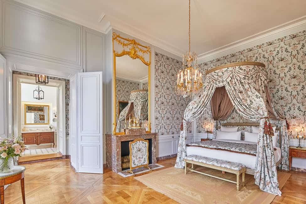 palace-of-versaille-le-grand-controle-hotel-11