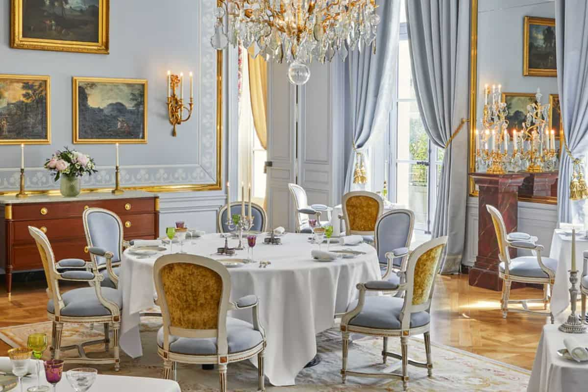 palace-of-versaille-le-grand-controle-hotel-4