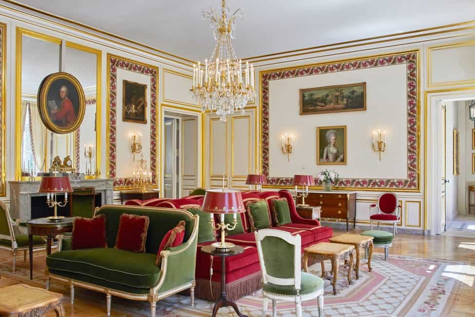 palace-of-versaille-le-grand-controle-hotel-9