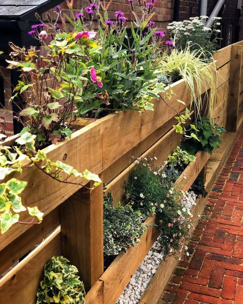 pallet fence garden ideas doing_up_dewi