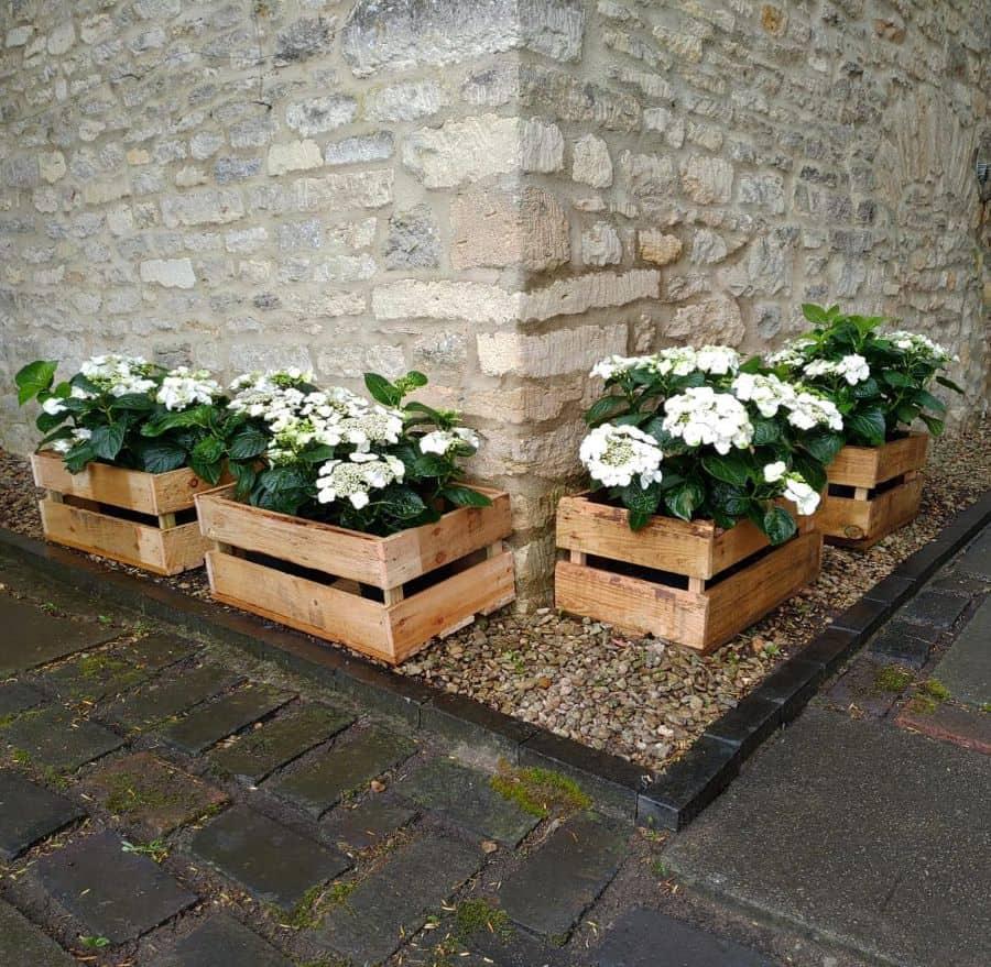 pallet flower box garden ideas minnieandmooscottage