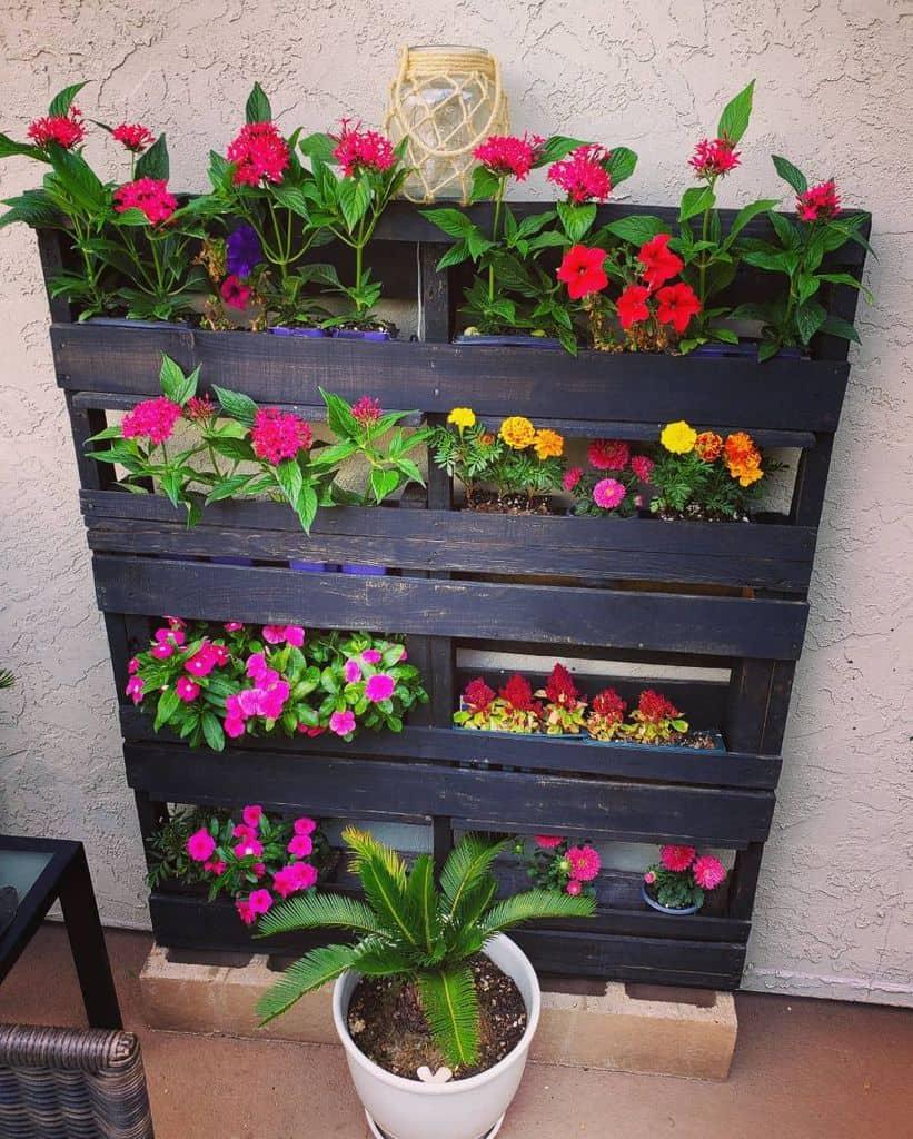 pallet flower box garden ideas thesurfersnook