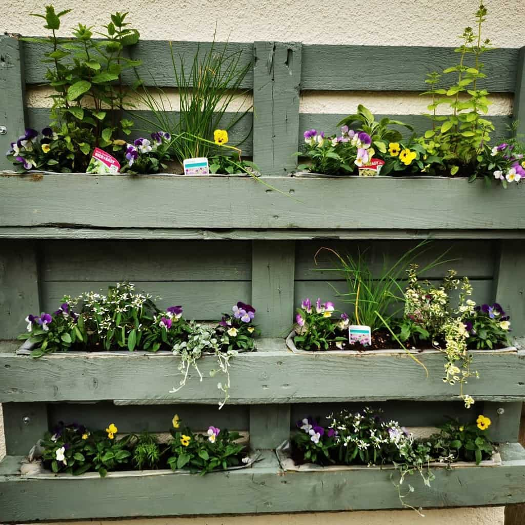 pallet herb garden ideas _eyes_through_a_lens