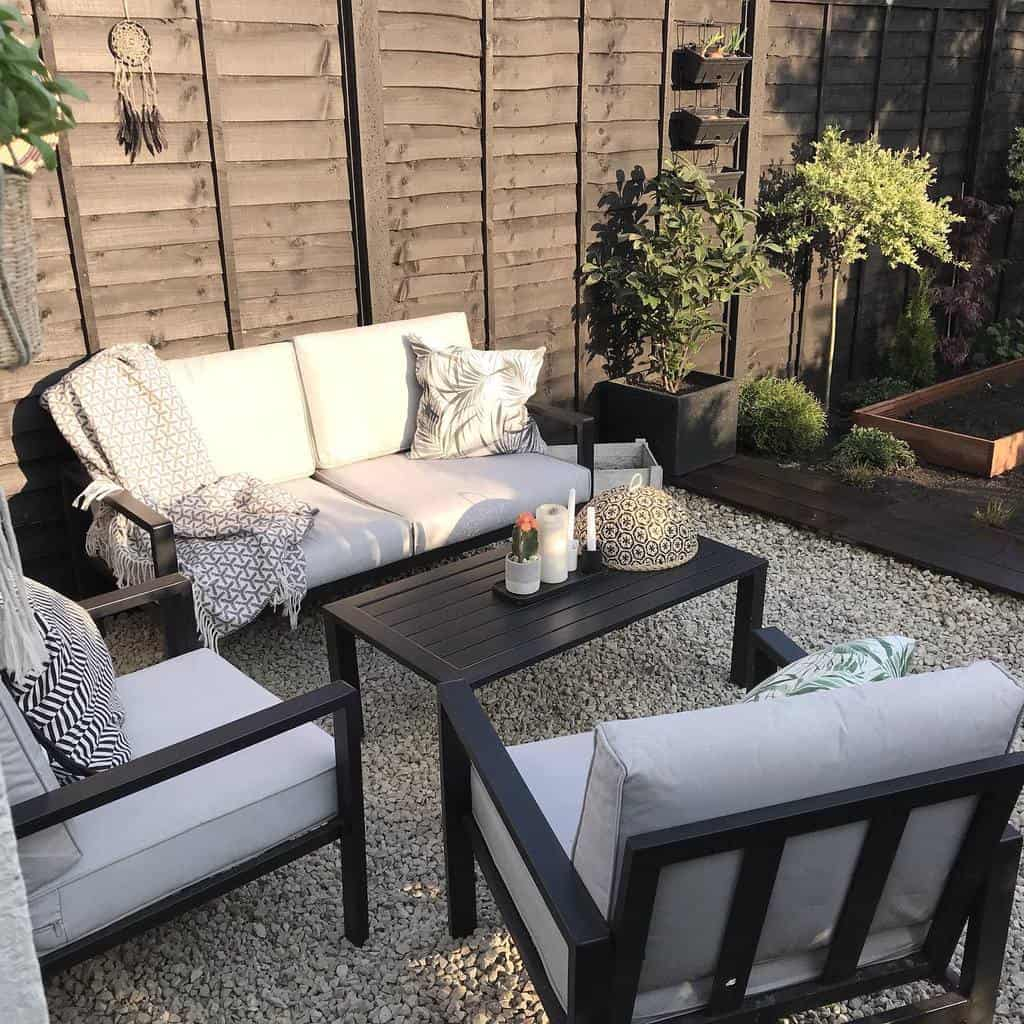patio furniture small backyard patio ideas keep_things_simple
