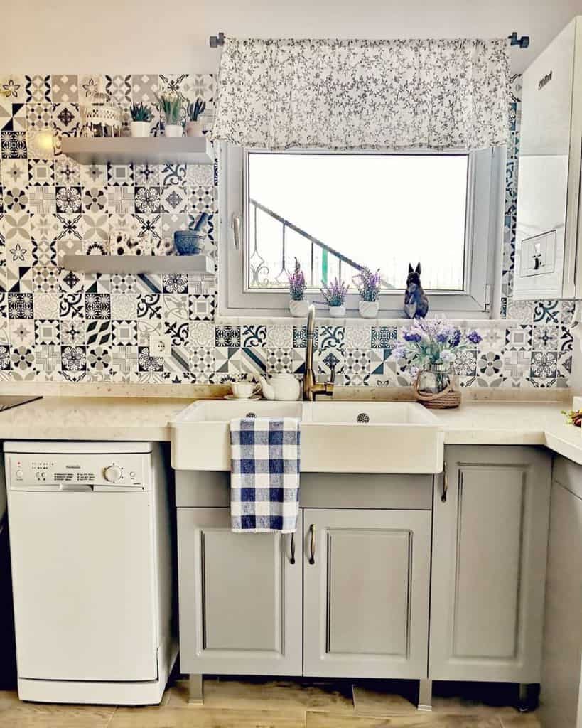 patterened kitchen tile backsplash ideas my_little_grey_farm