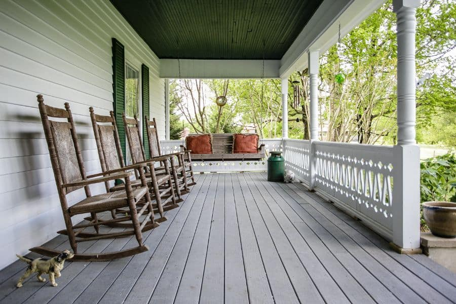 Patterned Porch Railing Ideas 2