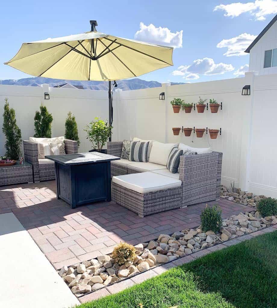 paved patio small backyard patio ideas thefontaineflat