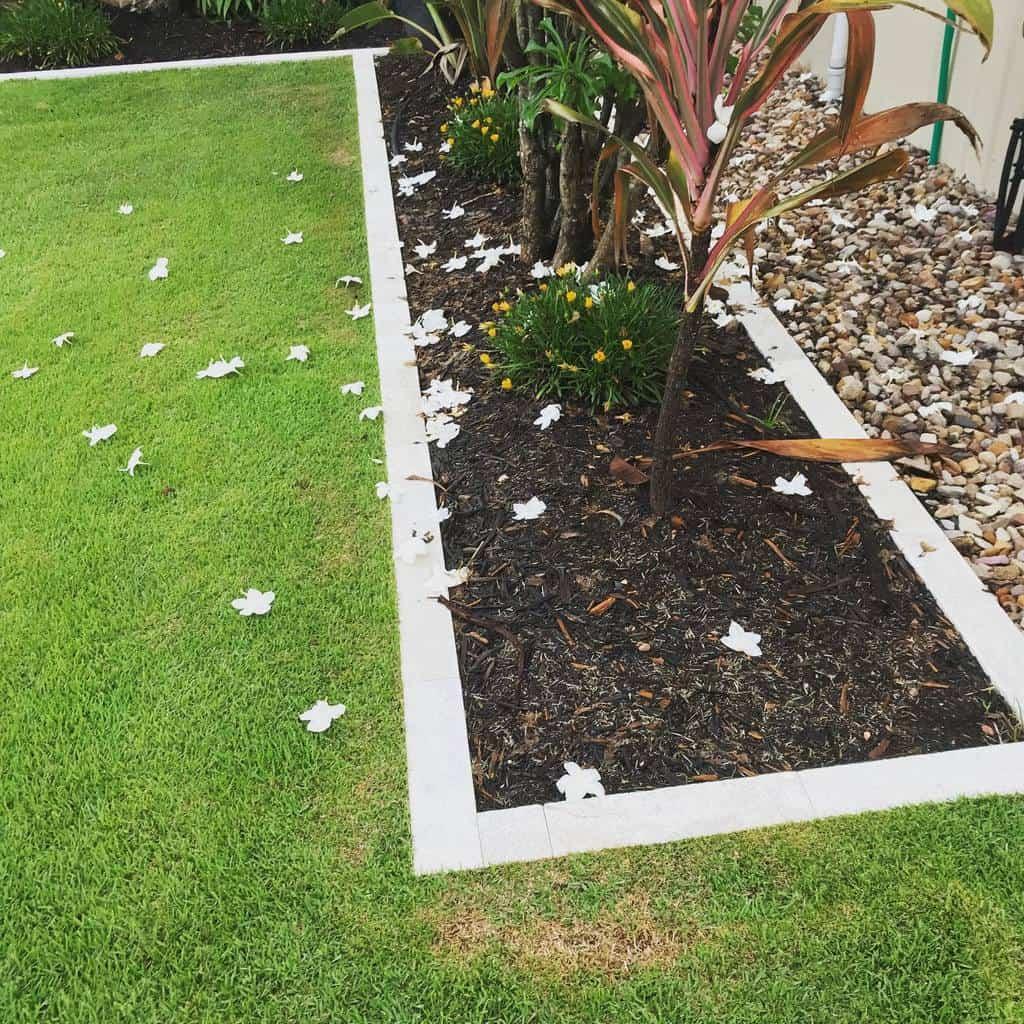 pavers garden edging ideas modern.landscape.solutions